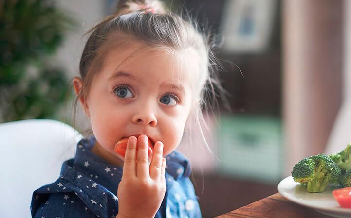 Niños comen GRATIS en FrescCo